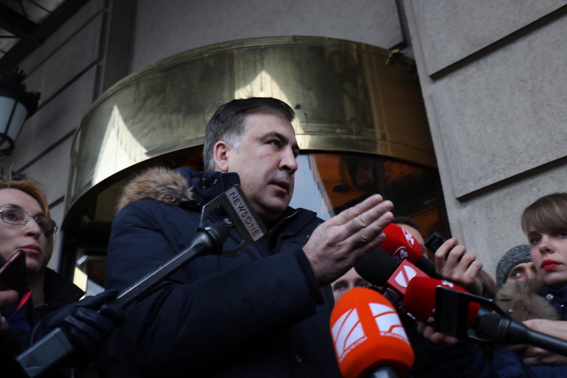 По словам политика, он ожидает возможное повторное задержания в скором времени