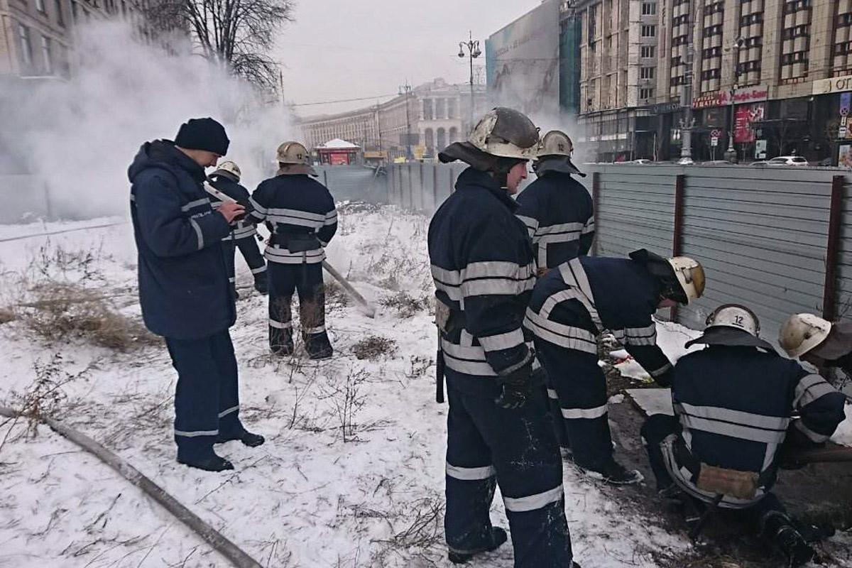 На месте работали сотрудники 12-й пожарно-спасательной части Киева