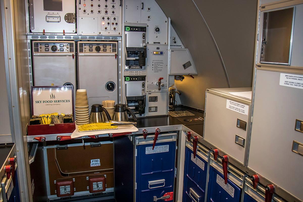 Кухня на Boeing 777