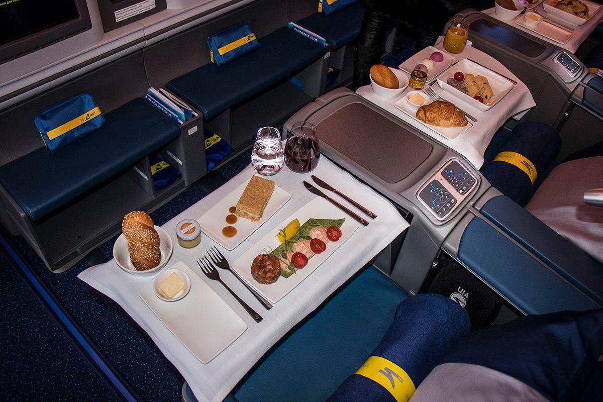 На самолете можно заказать вкусные блюда от шеф-повара