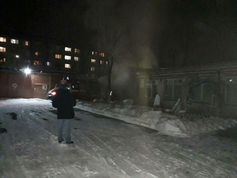 В Киеве произошел пожар на территории школы