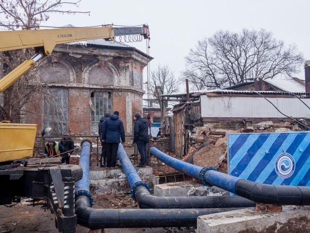 В Харькове провалился дом под землю в канализацию