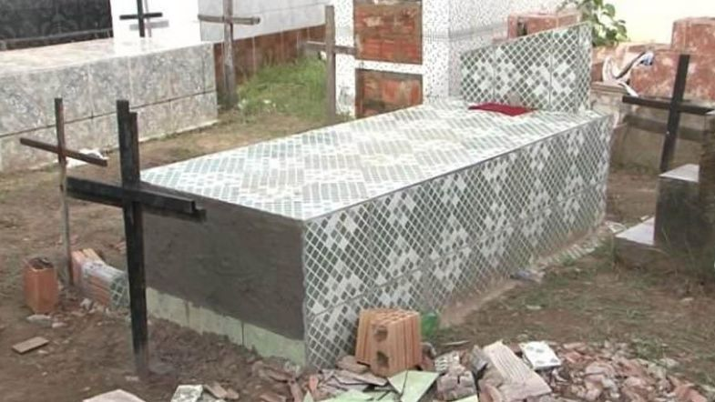 В Бразилии женщина, похороненная заживо, 11 дней пыталась выбраться из гроба