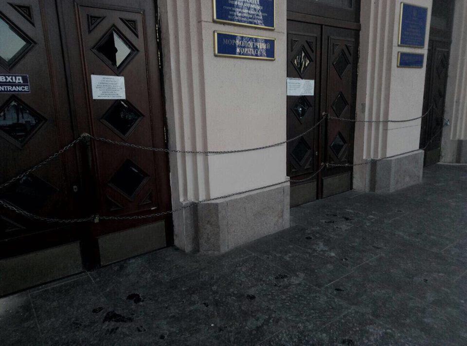 Национальный медицинский университет имени Богомольца объявил забастовку