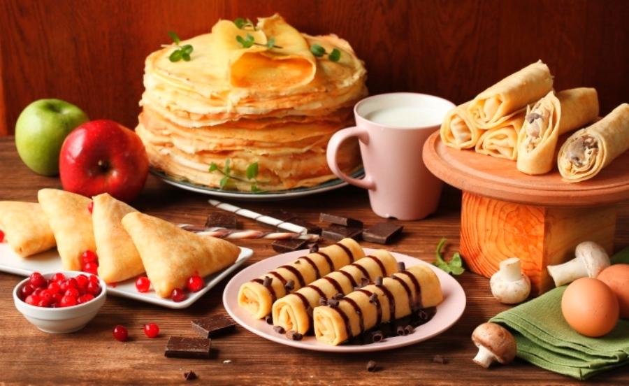 """В """"Пузатой-хате"""" предлагают блины как с соленой, так и сладкой начинкой"""