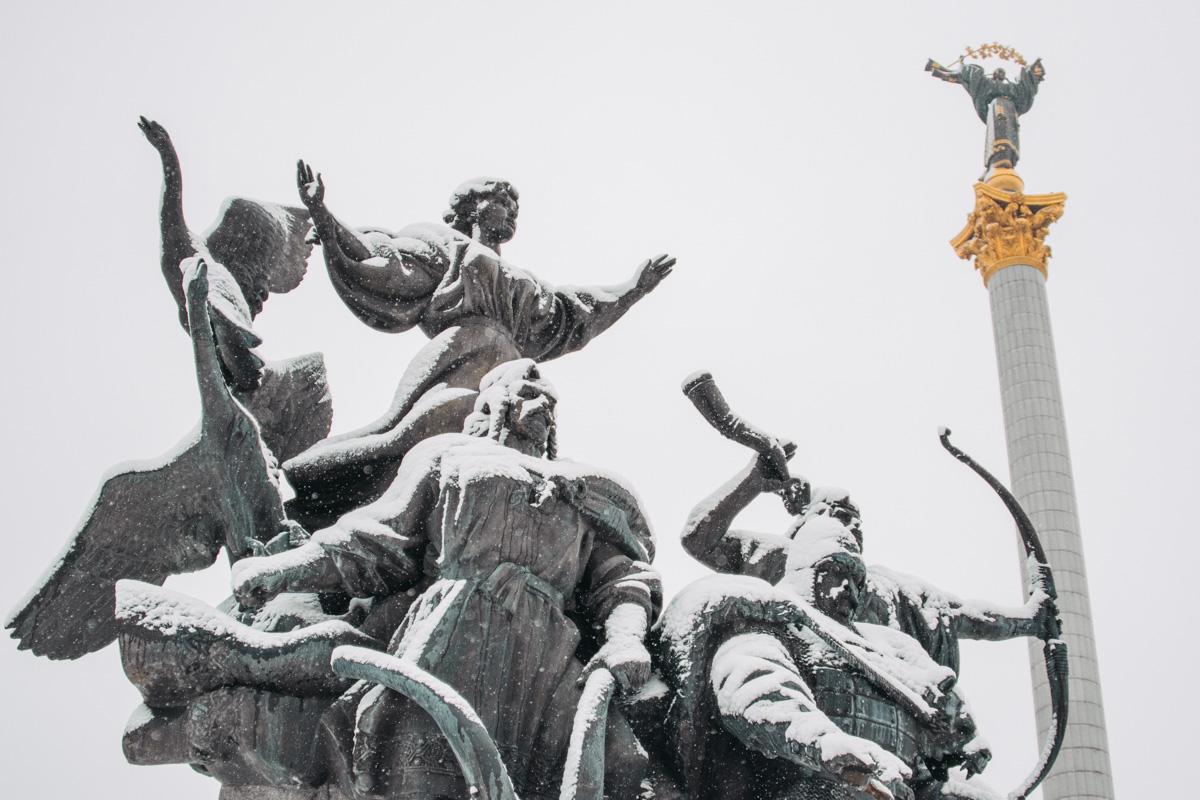 Снежный и прекрасный Киев