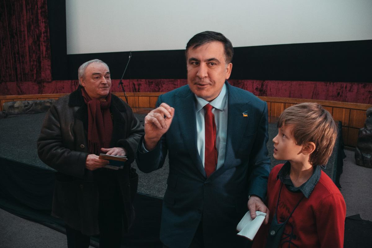После показа Саакашвили пообщался со зрителями