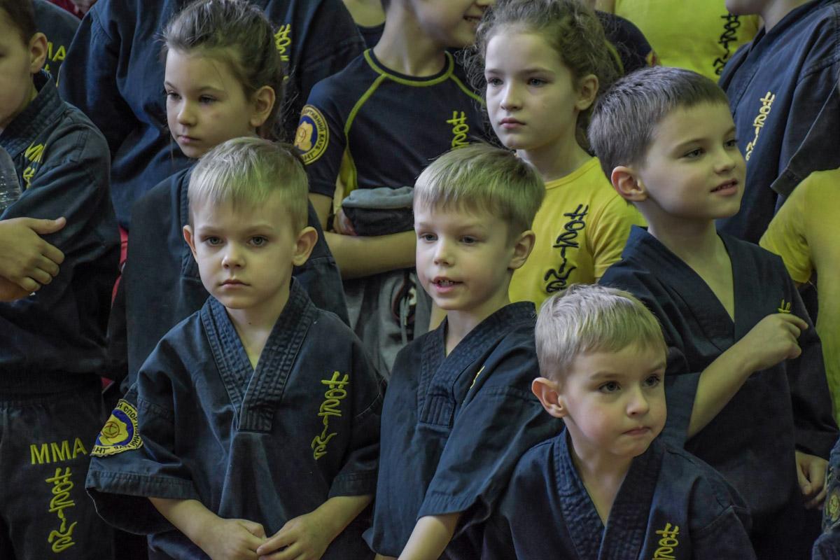 Малыши-карандаши уже готовы показать силу, дух и дисциплину