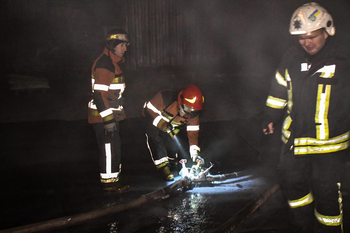 Пожар начался около 20:30