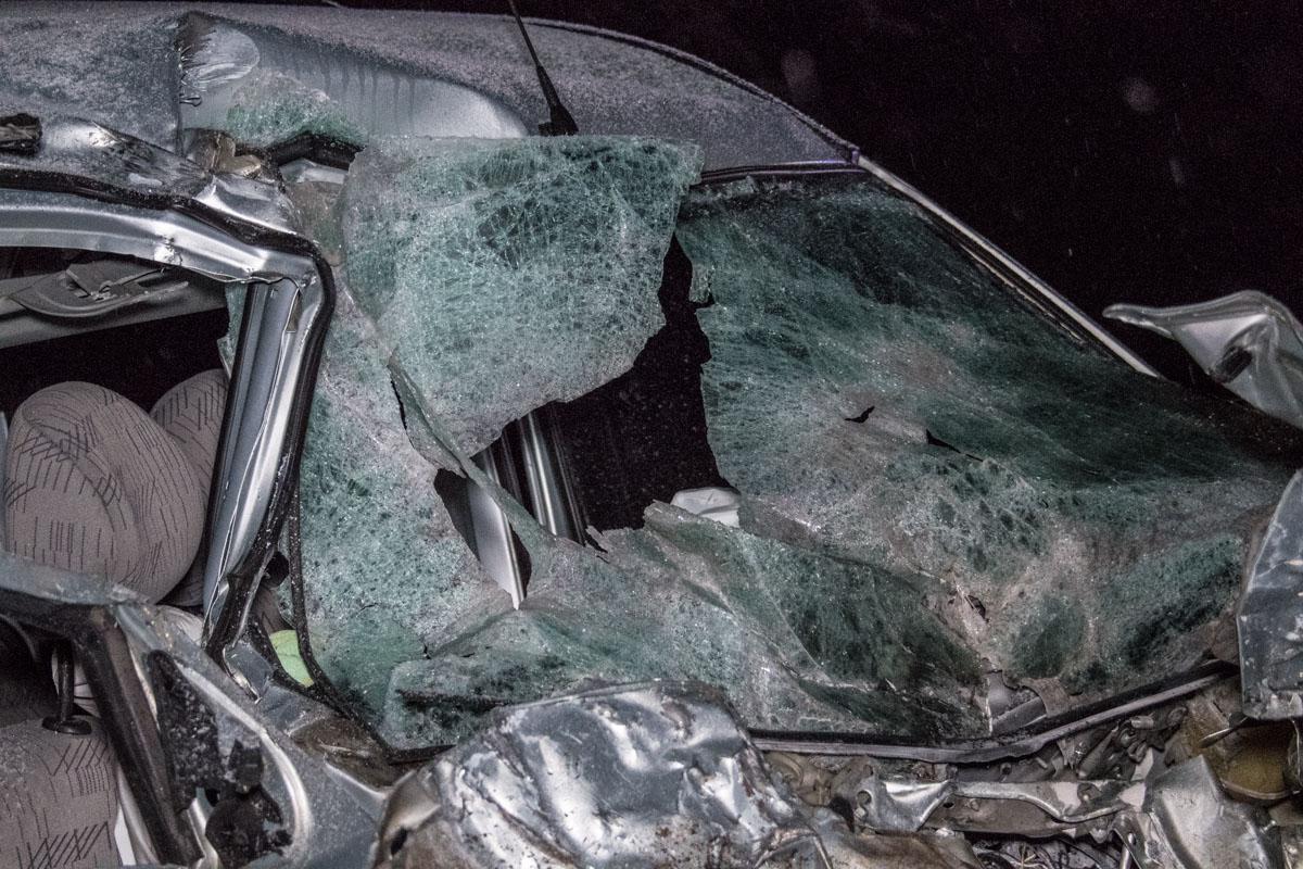 У Renault Kango полностью разбита передняя часть