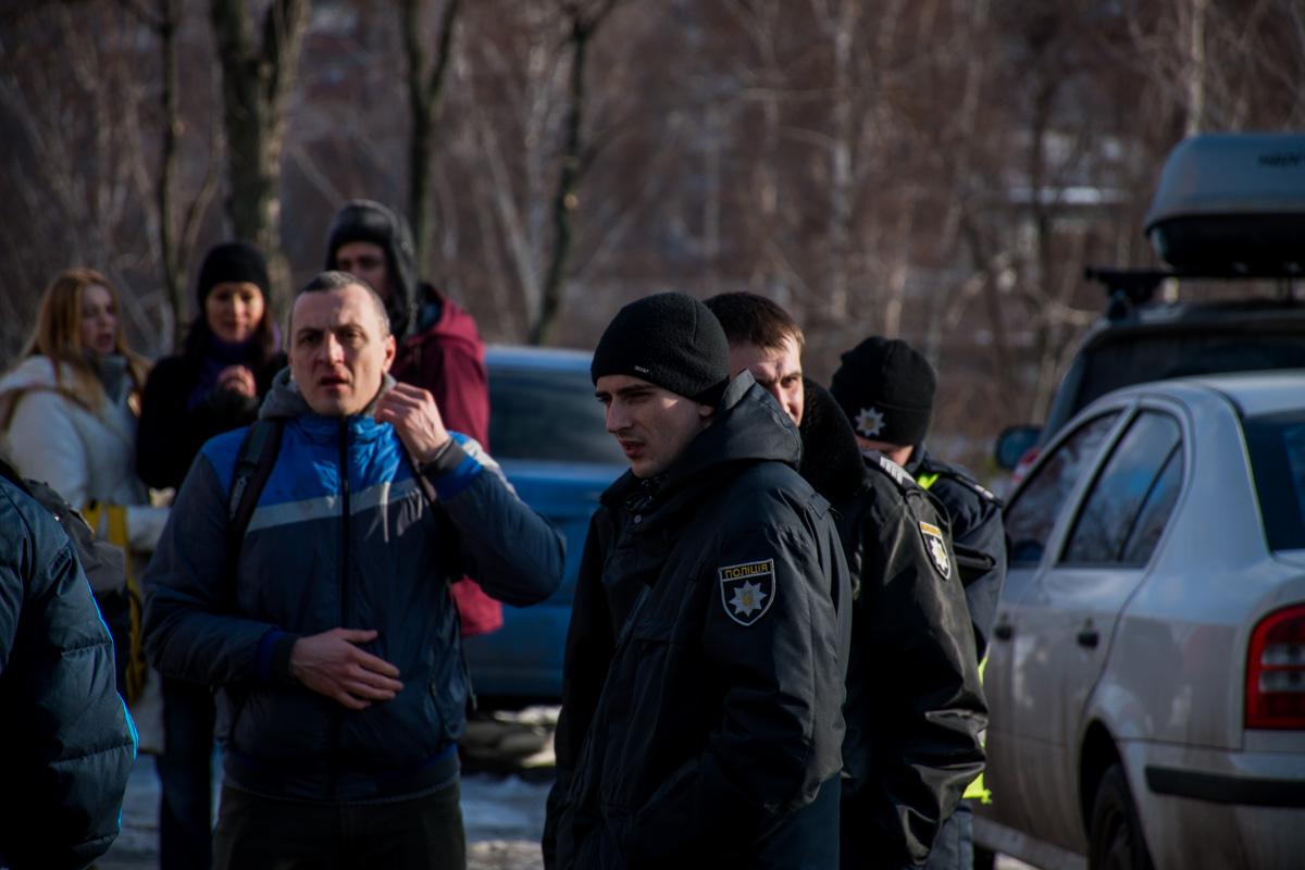 Правоохранители оперативно прибыли на место и прекратили драку