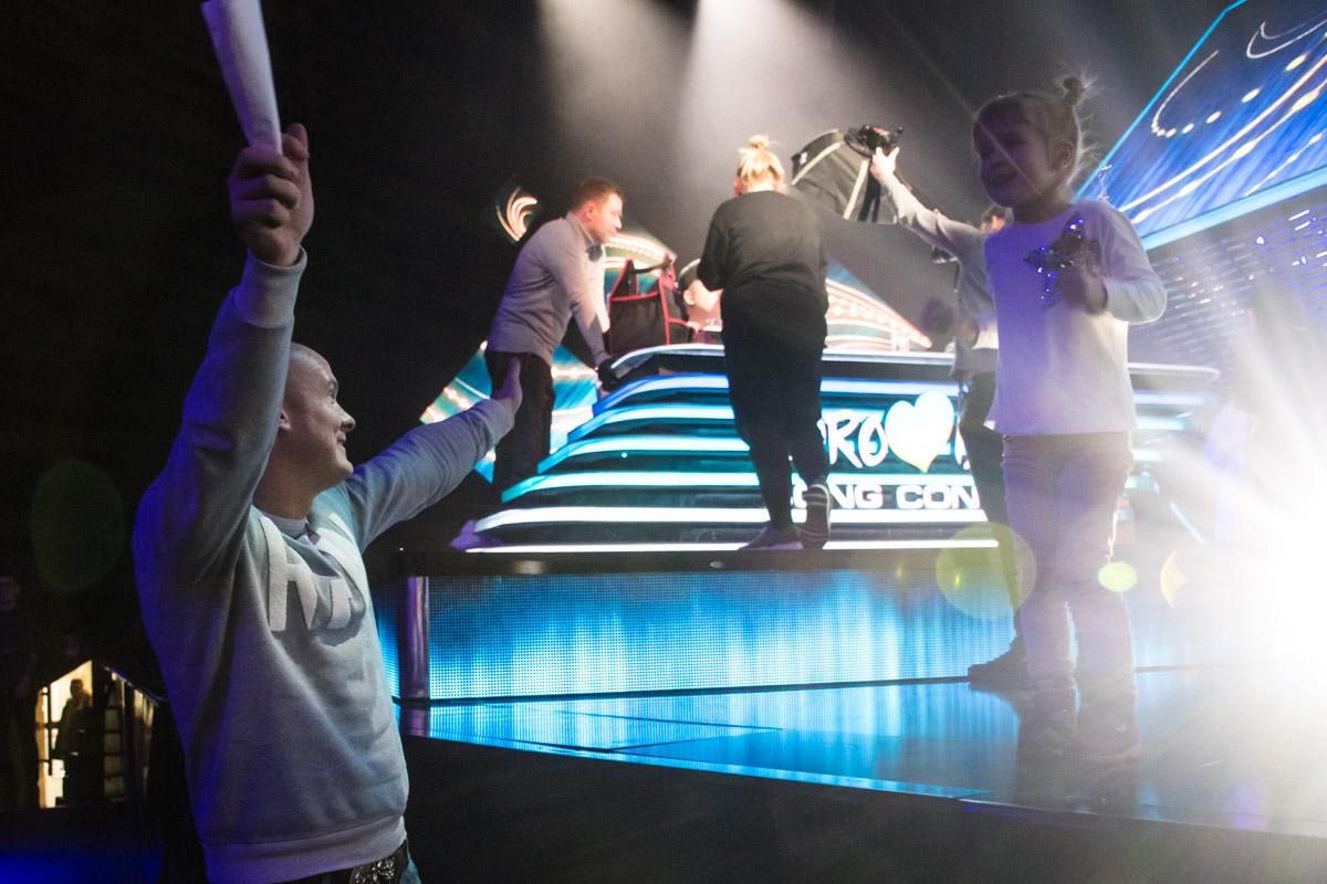 Узелков пришел на концерт вместе с семьей