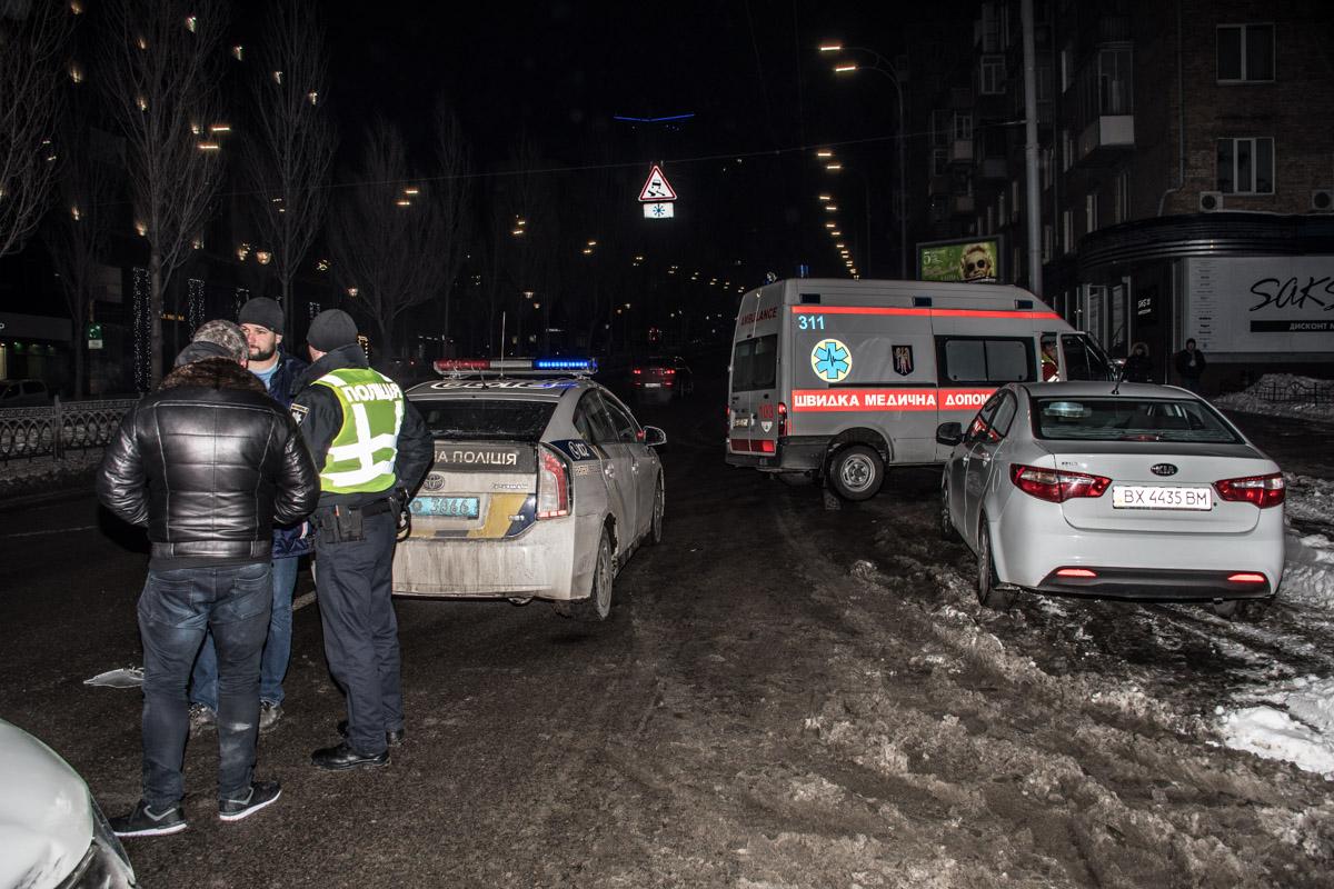 На улице Леси Украинки столкнулисьMitsubishi и таксиUber