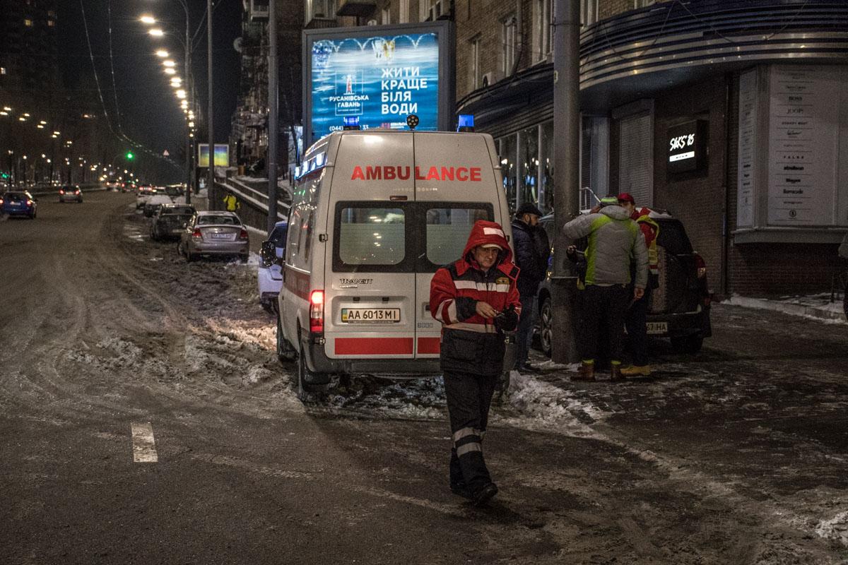 Одного из пассажиров такси госпитализировали с травмой головы