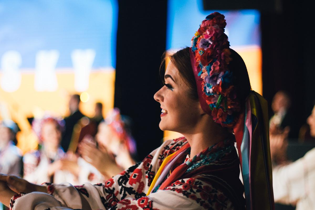Вышиванки и кокошники - все в лучших украинских традициях