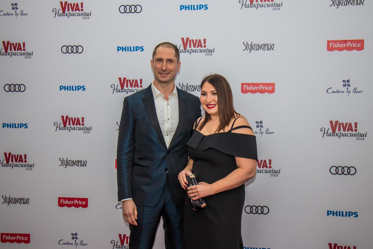 Серебряный призер Олимпиады в плаванье и нардеп Денис Силантьев с женой