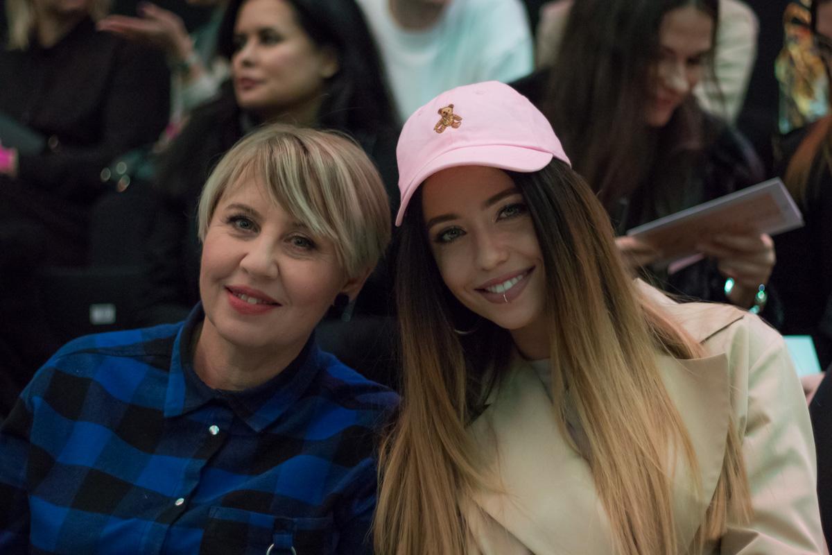 Надя Дорофеева с мамой