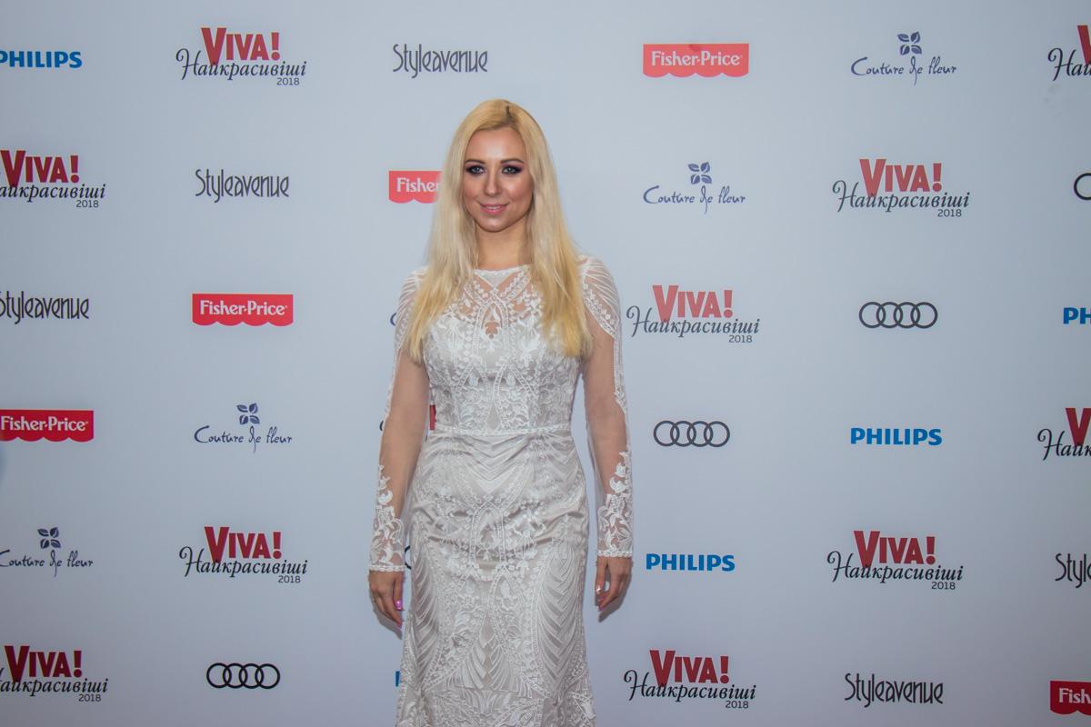 Тоня Матвиенко похожа на невесту