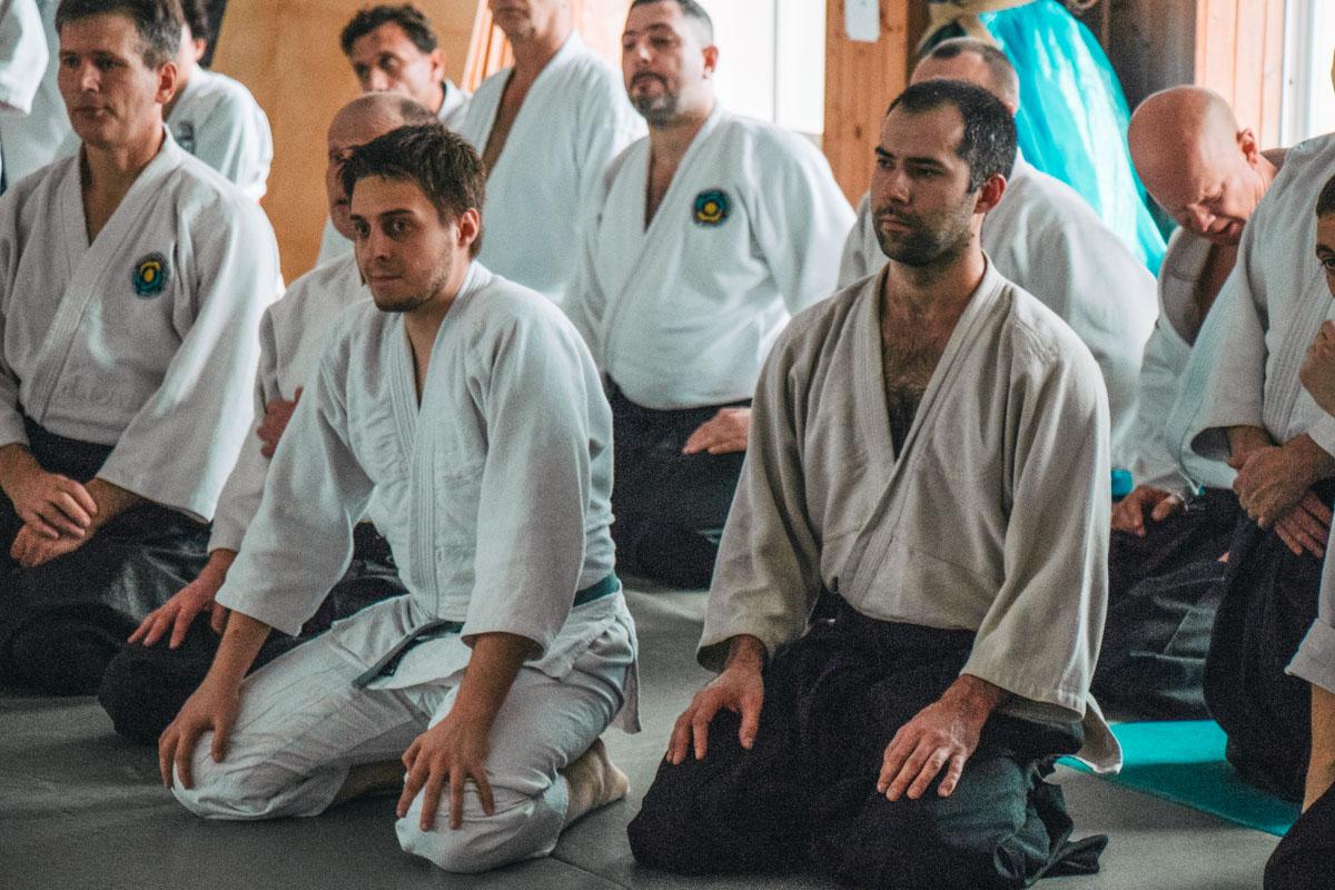 Присутствующие на семинаре внимательно слушали о новшествах и классике в айкидо