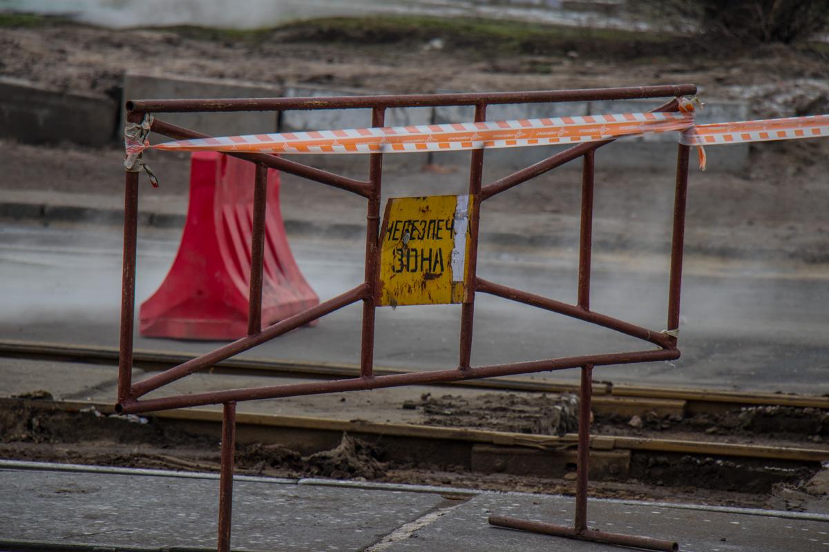 Из-за порыва теплосети 200 домов остались без горячей воды