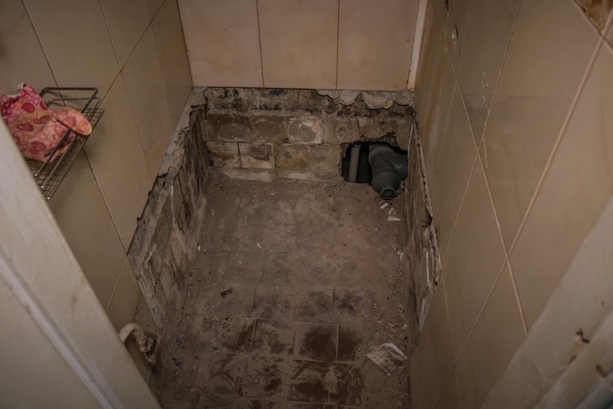 Туалетов в некоторых блоках нет уже месяц