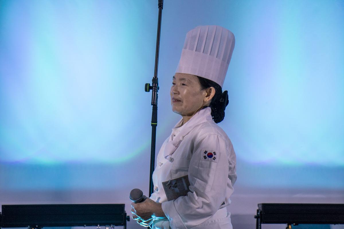 Корейский повар рассказала зрителям об особенностях национальной кухни Южной Кореи