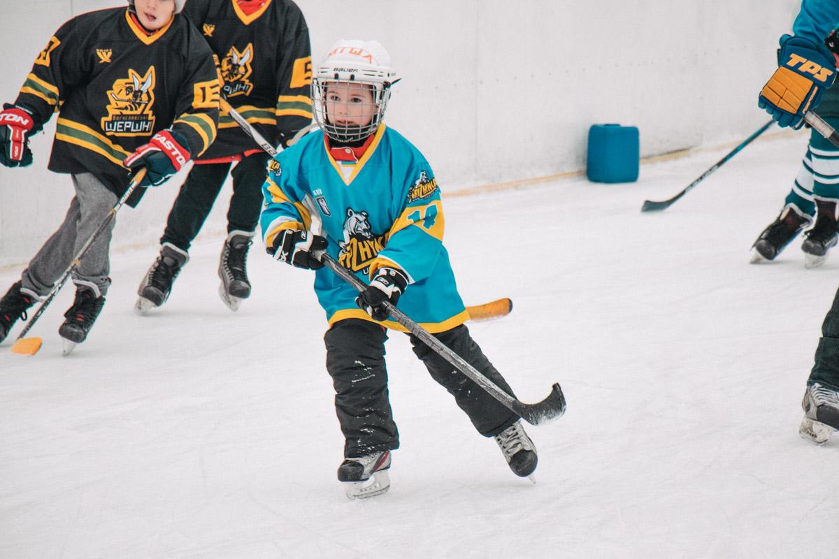 Юный возраст хоккею не помеха