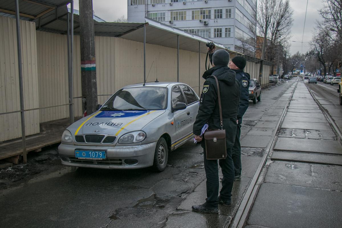 На место происшествия прибыла полиция