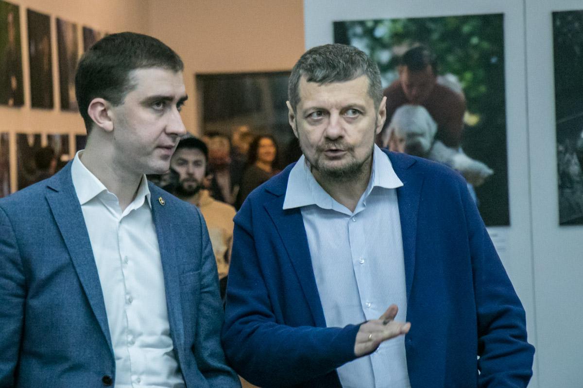 На открытие выставки пришел народный депутат Игорь Мосийчук