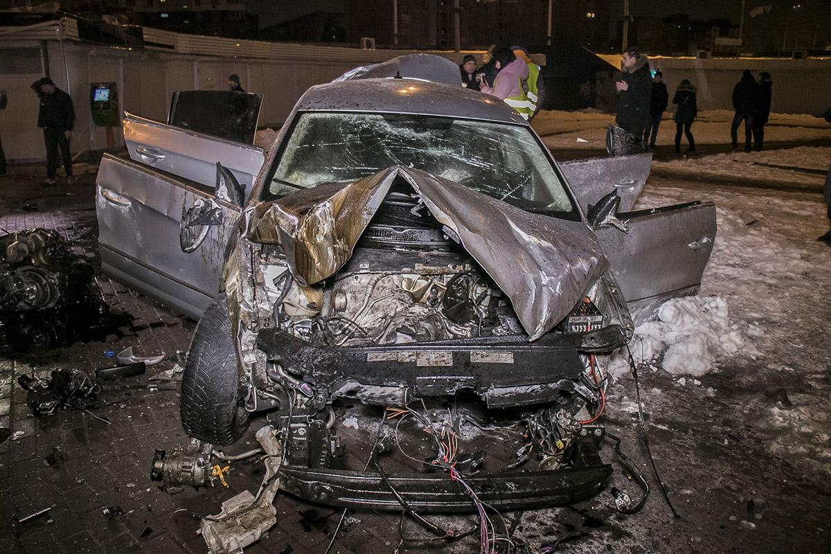 Удар пришелся на переднюю часть автомобиля