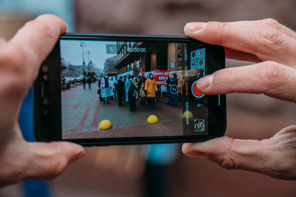 """Такое """"шоу"""" снимали на свои смартфоны все прохожие"""