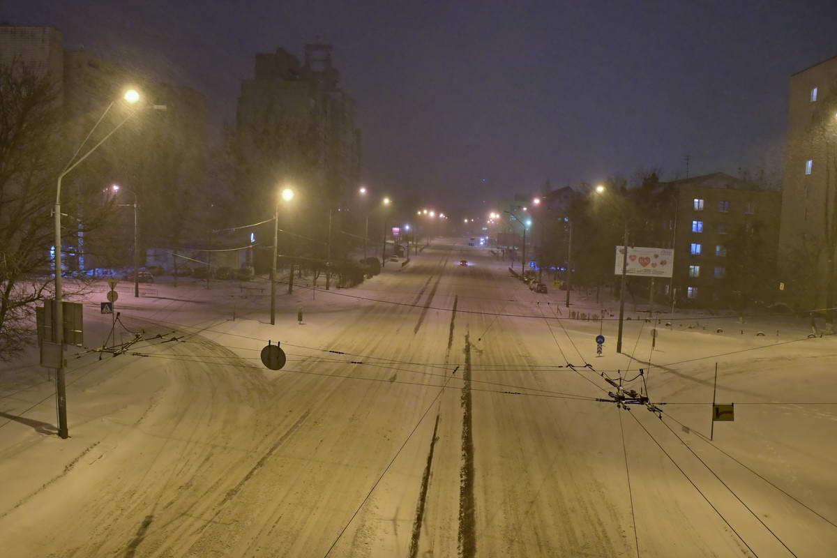 В столице всю ночь шел снег