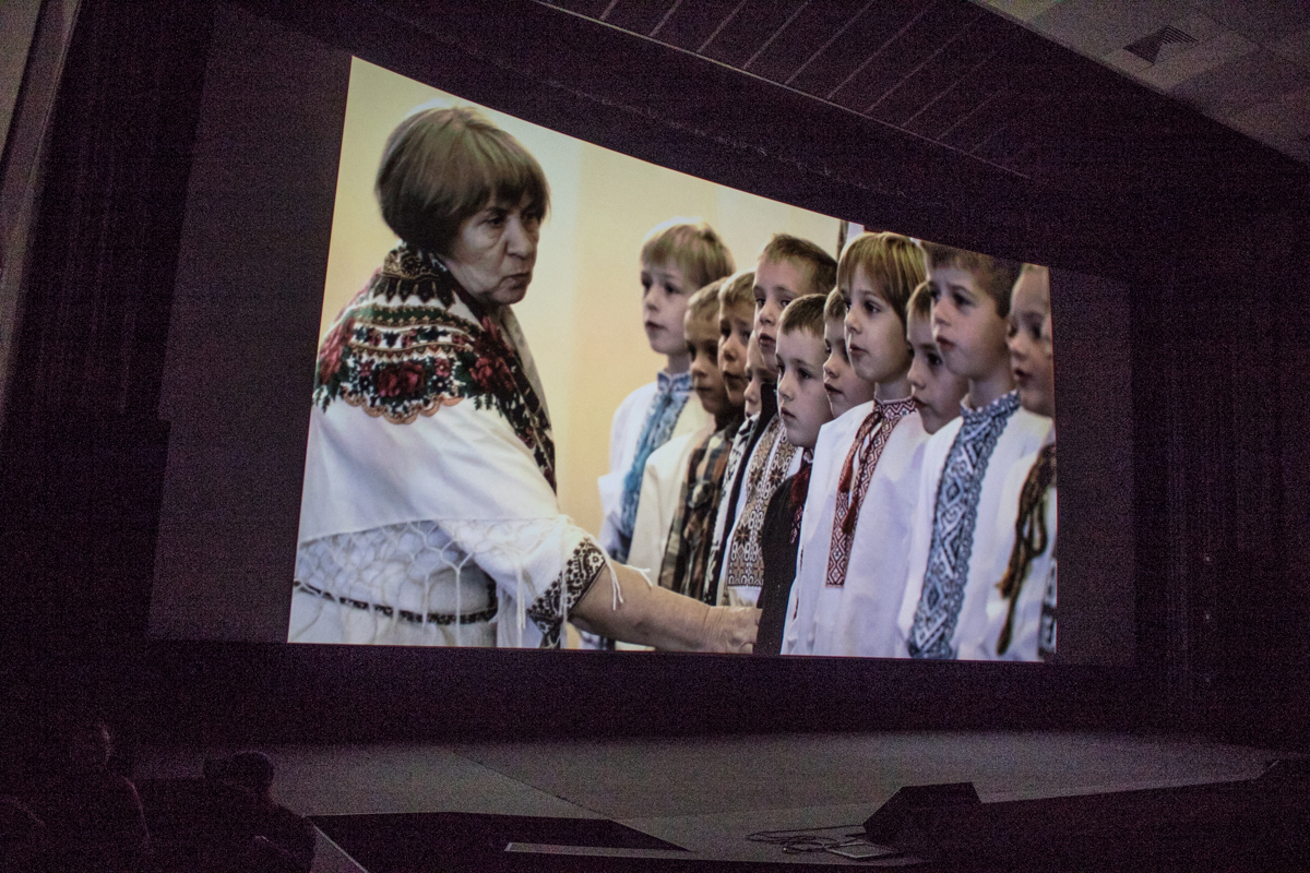 Фильм рассказывает о жизненном пути оперного певца и добровольца АТО - Василия Слипака