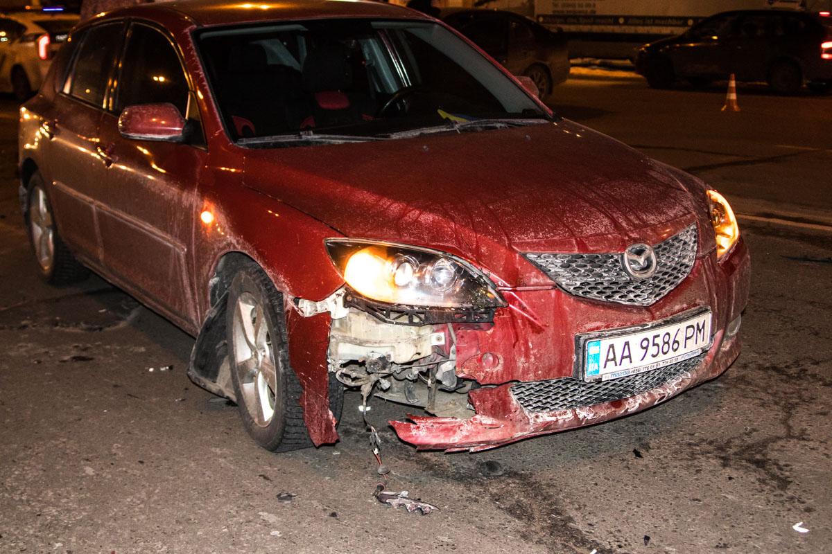 Mazda проскочил между столкнувшимися авто сразу после удара