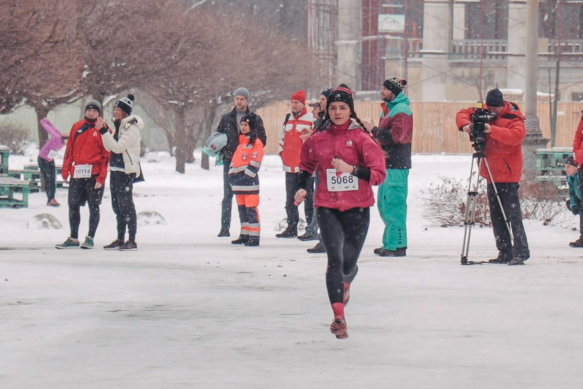 Женщины бежали 5 километров