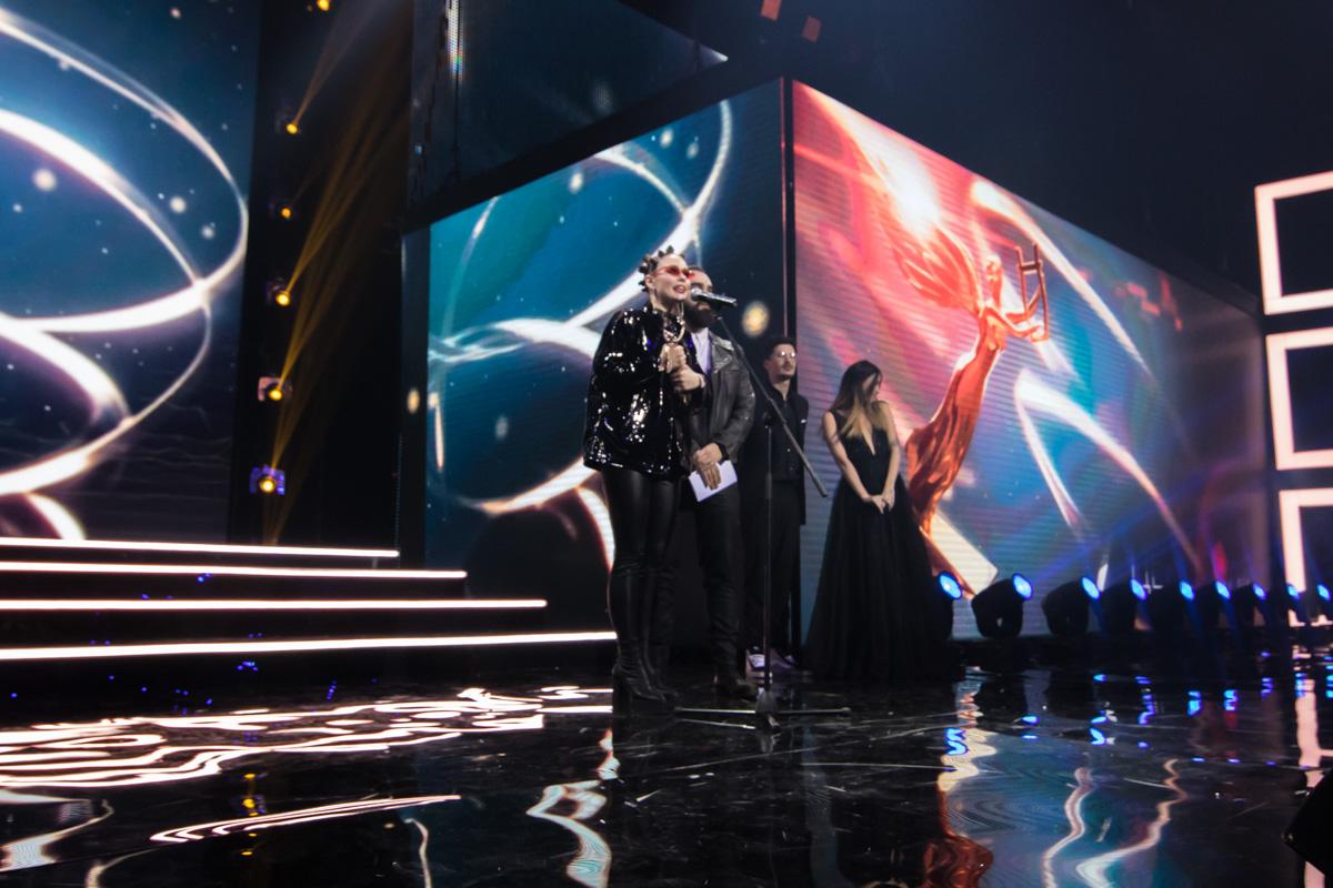 Юлия Санина сказала, что для них честь стоять на этой сцене и быть победителями в своей номинации