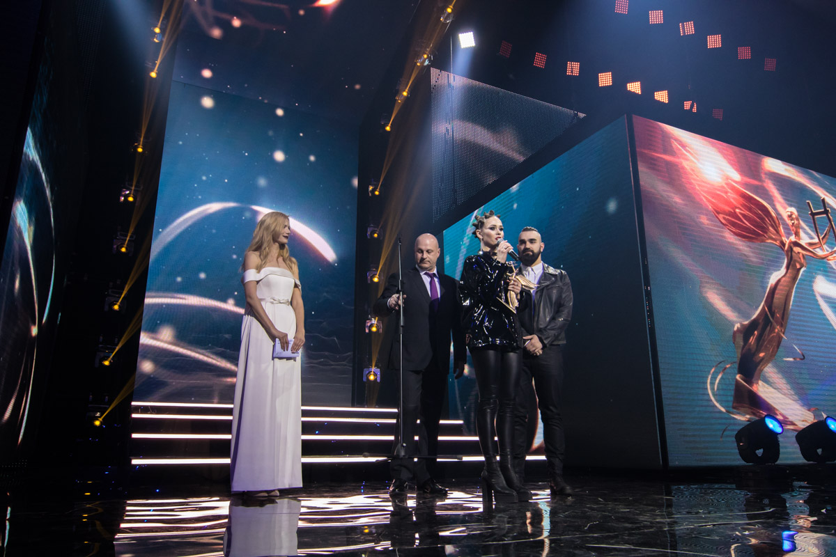 Юлия Санина рассказала, что все песни они с мужем пишут сами