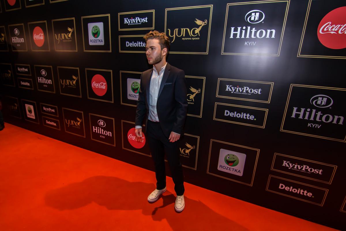 Финалист Евровидения 2018 в Украине певец Laud