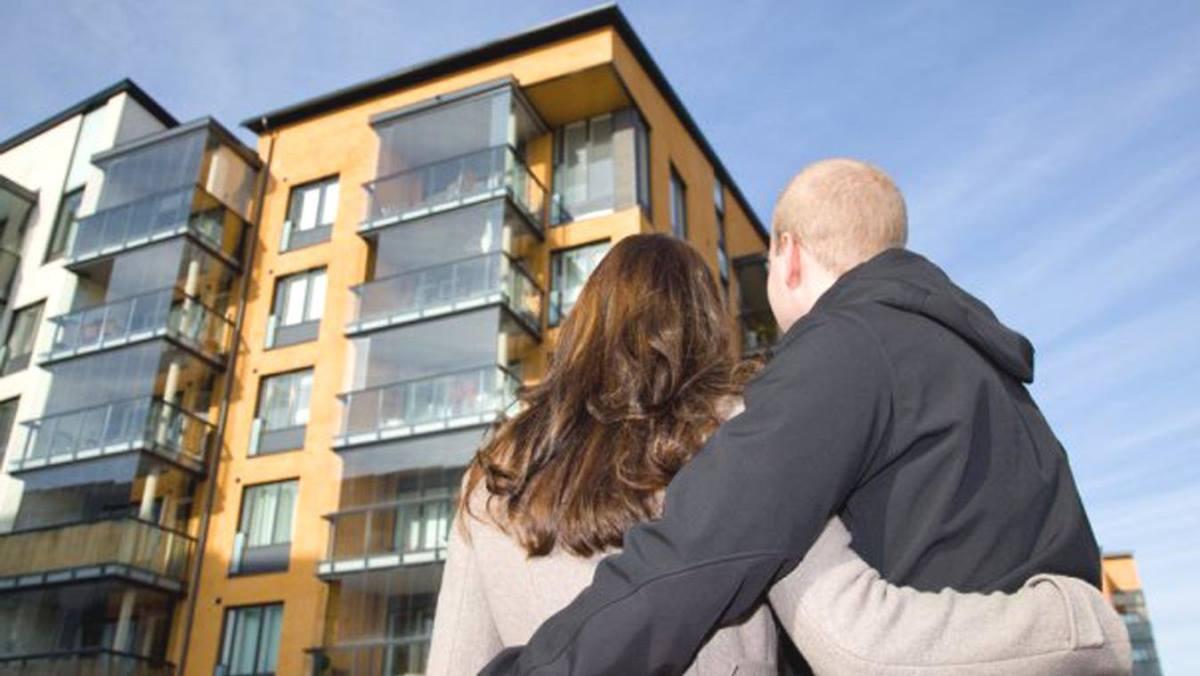 На покупку собственного жилья обычному человеку надо работать не один год