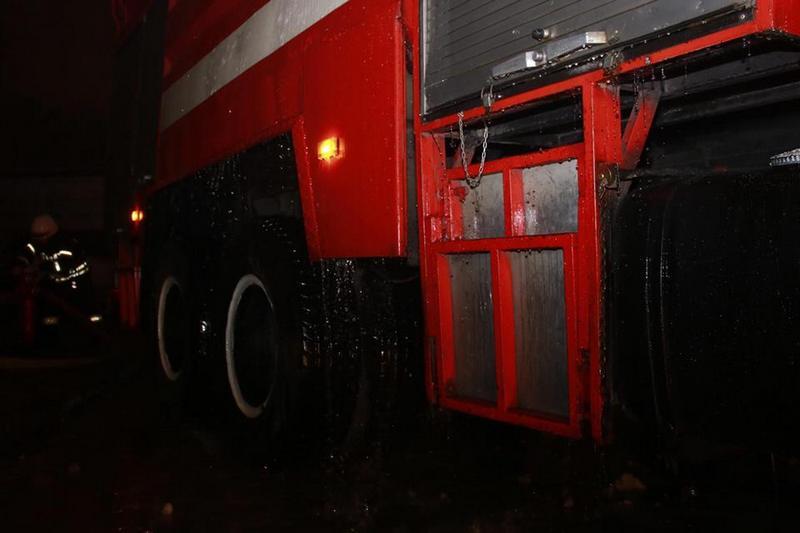 На месте работали сотрудники 7-й пожарно-спасательной части Киева