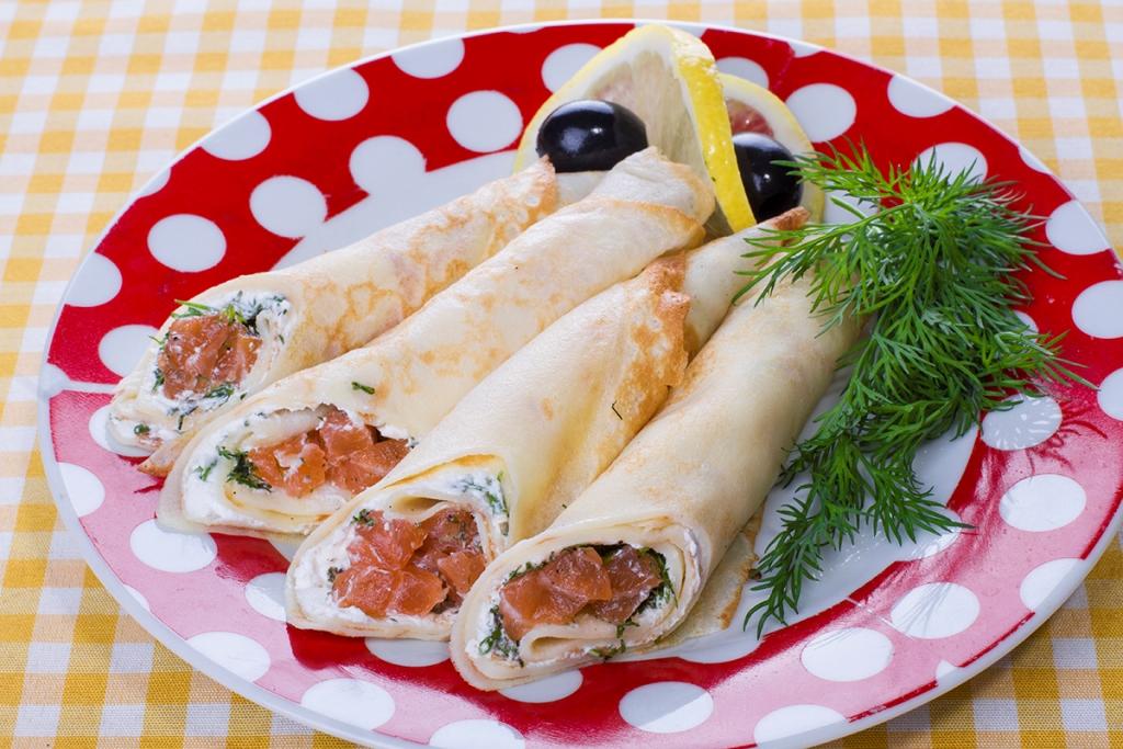 """Блины с лососем и сливочным сыром в вареничной """"Катюша"""""""