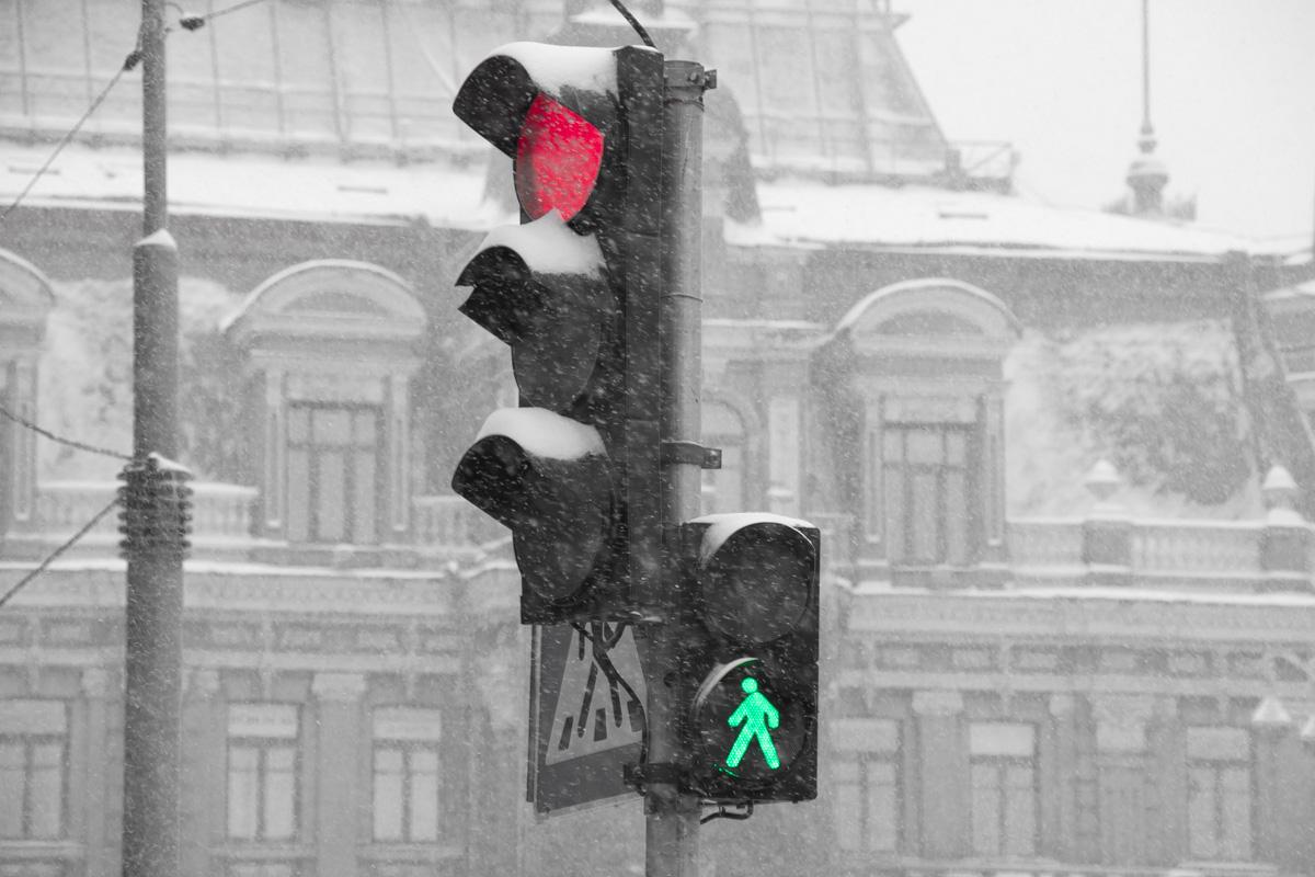 КГГА призывает водителей и пешеходов быть внимательными