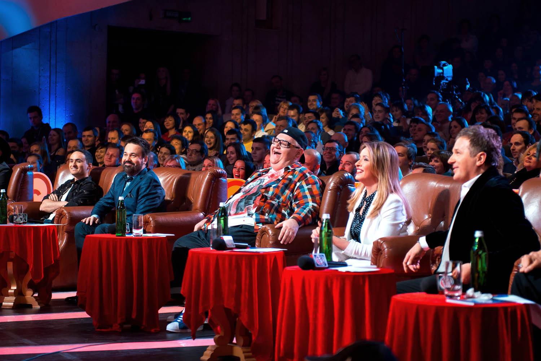Звездное жюри оценит шутки новичков-комиков