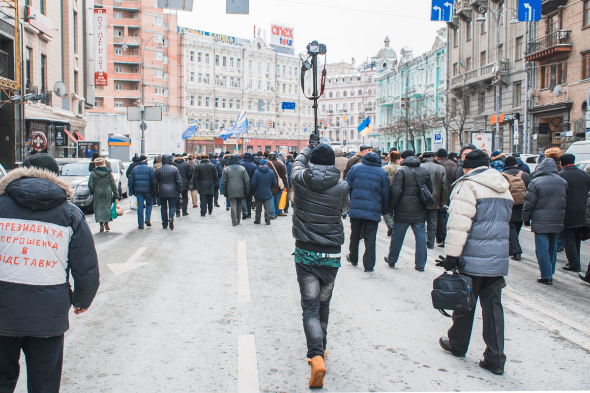 В Киеве пенсионеры остановили движение на центральных улицах