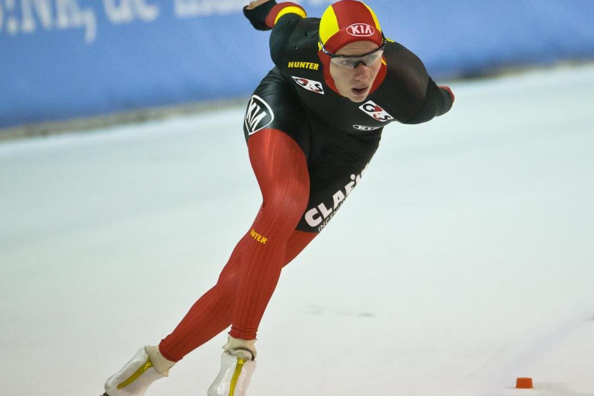 В конькобежном спорте Барт Свингс занял второе место
