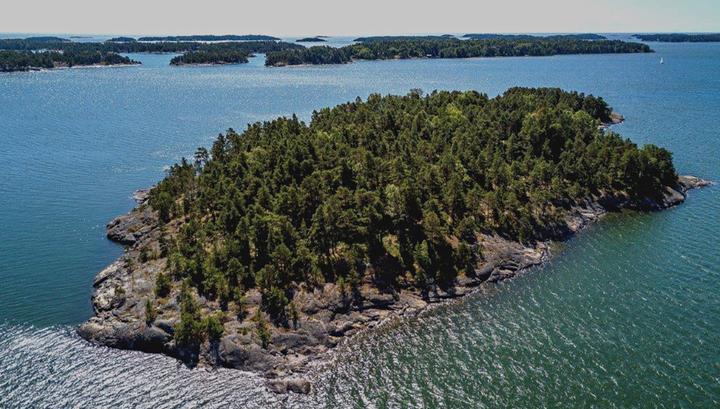 Американка выкупила у Финляндии остров, на котором смогут отдыхать лишь женщины