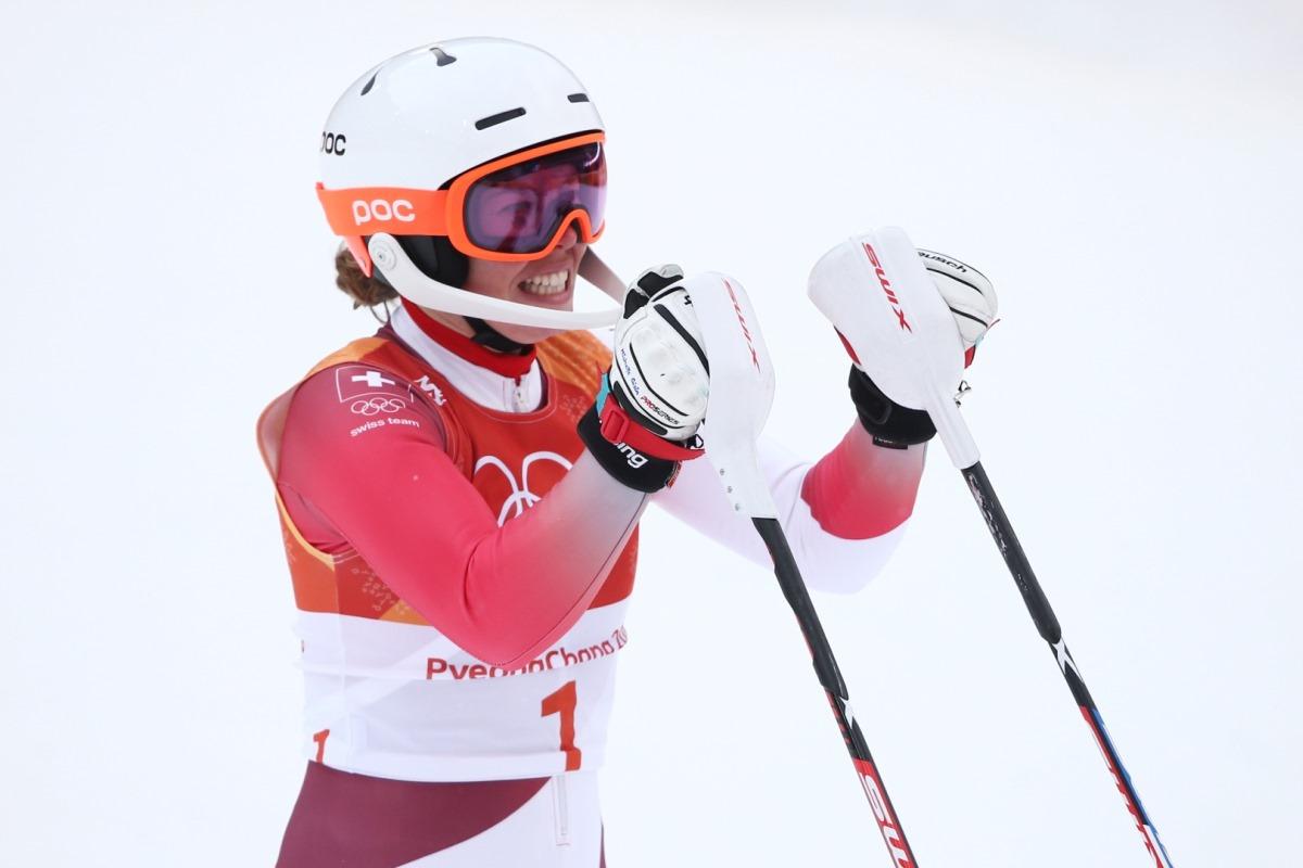 В суперкомбинации среди женщин швейцарка Мишель Гисин получила первенство