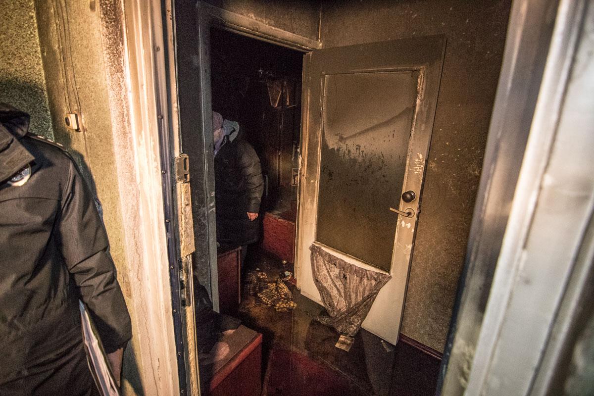 По предварительным данным, мужчина во время пожара мог находиться в состоянии алкогольного опьянения