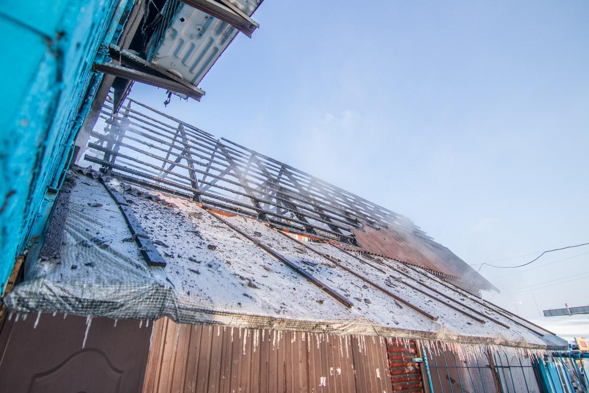 Огнем было охвачено около 50 квадратных метров помещения