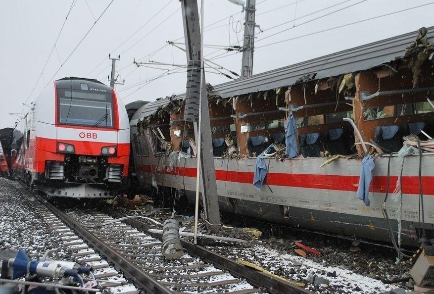 В Австрии столкнулись два поезда: один человек погиб